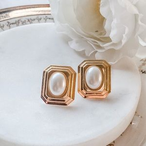 Jewelry - Vintage • Gold Framed Pearl Statement Studs